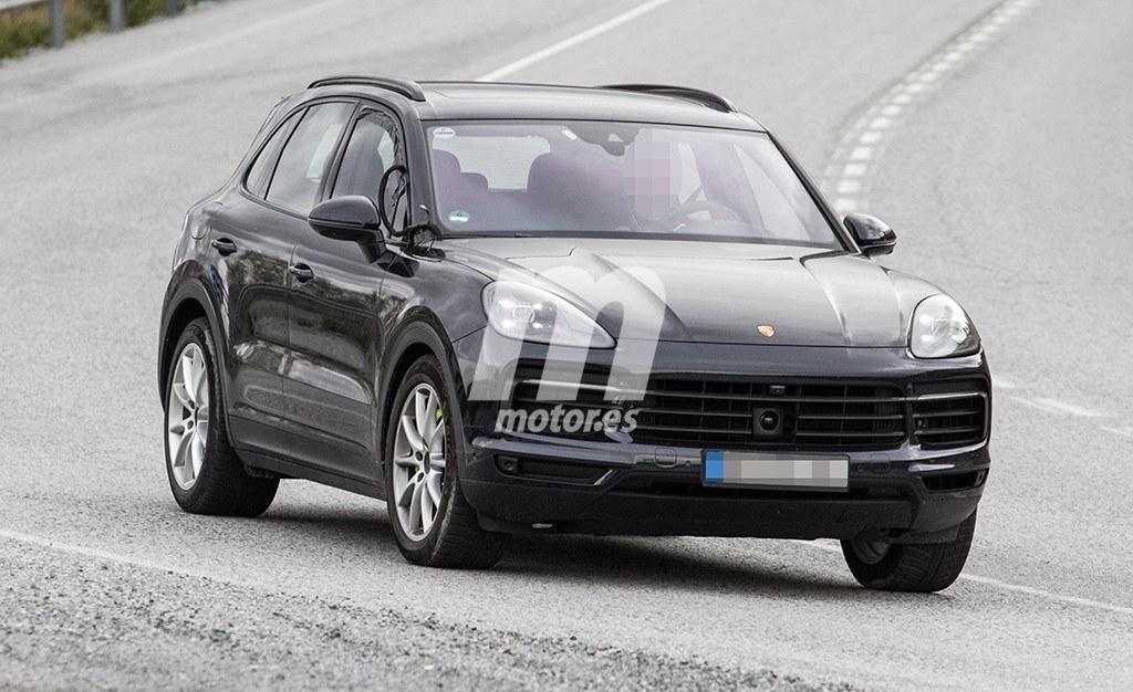 El nuevo Porsche Cayenne E-Hybrid 2018 cazado totalmente al descubierto