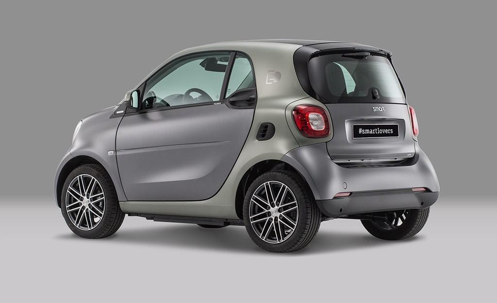 El nuevo Smart ForTwo ED Pull&Bear ya está a la venta en España