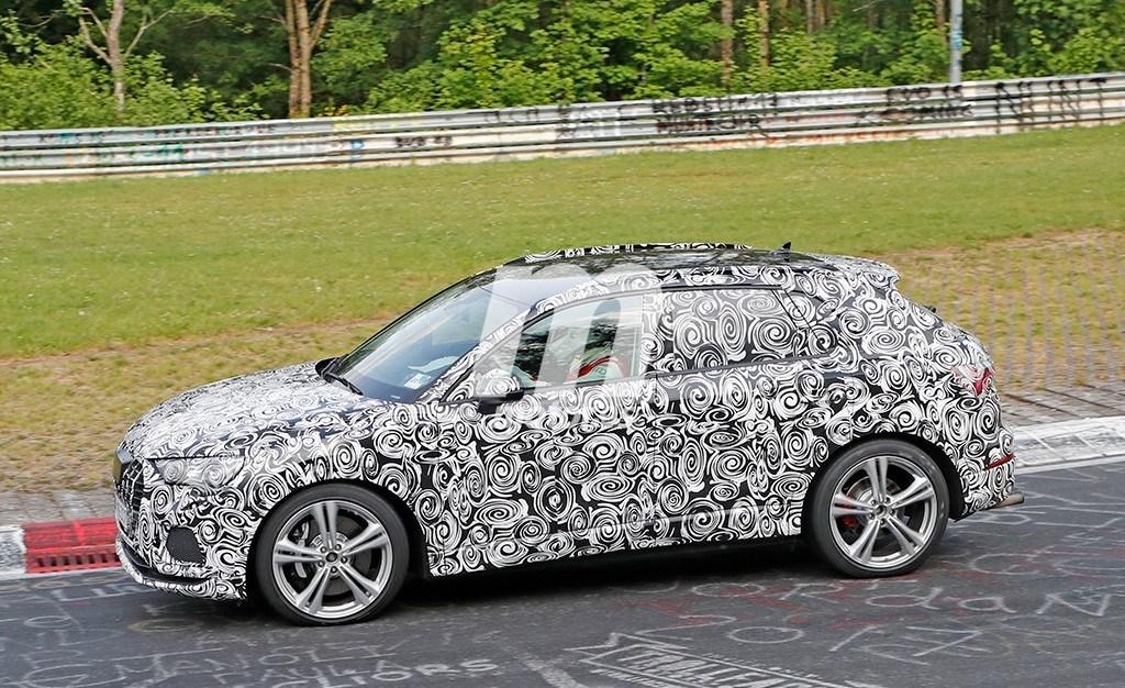 2018 - [Audi] Q3 II - Page 5 Audi-rs-q3-2019-fotos-nurburgring-201846621_4