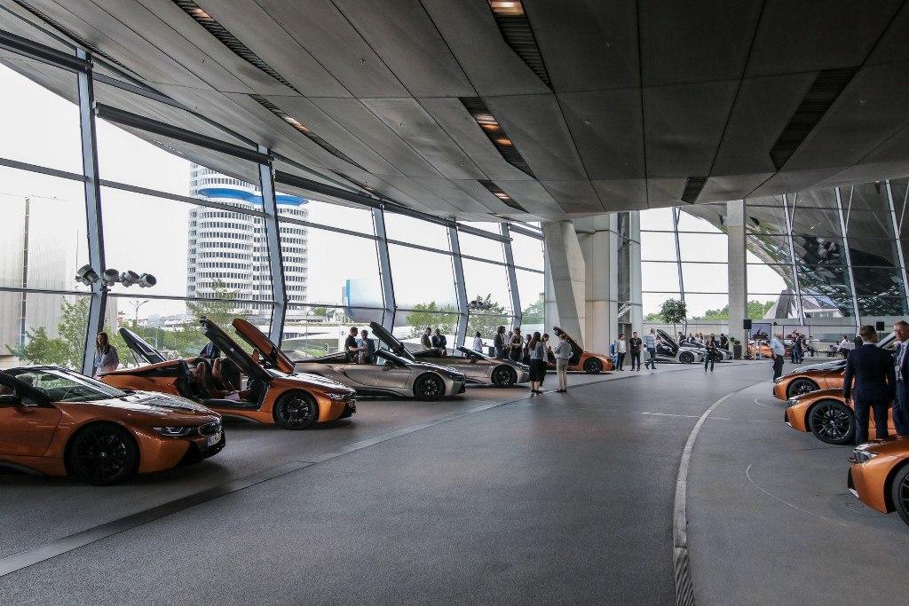 BMW entrega los primeros i8 Roadster First Edition en Munich