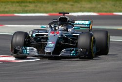 """Hamilton vuelve a ser uno con el W09: """"El coche y yo trabajamos en sinergia"""""""