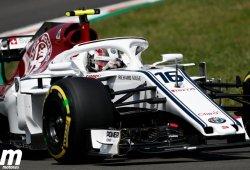 Leclerc vuelve a puntuar tras un vibrante duelo con Alonso