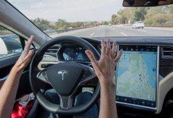 Grupos de consumo piden una investigación del confuso marketing del AutoPilot de Tesla