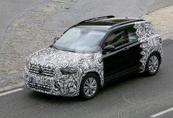 El nuevo Volkswagen T-Cross cazado en los Alpes