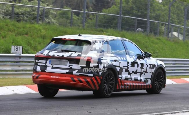 Audi e-tron quattro - foto espía posterior