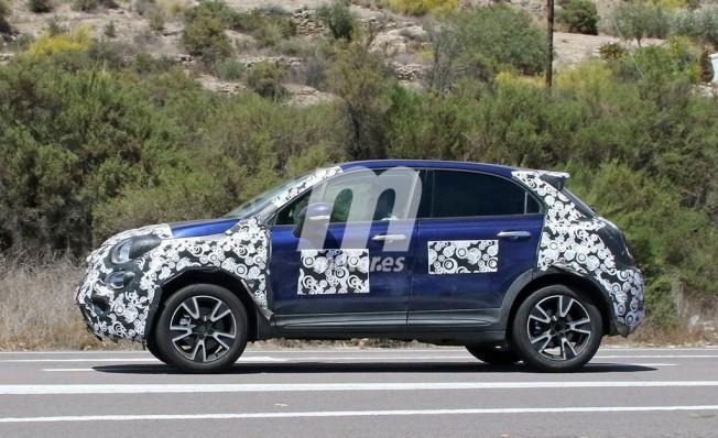Fiat 500X 2019 - foto espía lateral