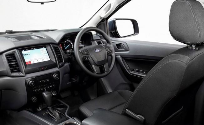 Ford Everest 2019 - interior