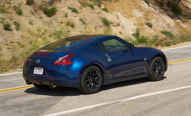 Nissan 370Z Coupe Heritage Edition 2019 - posterior