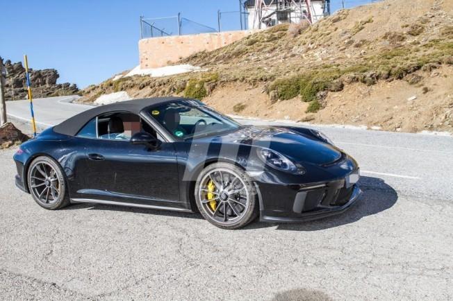 Porsche 911 GT3 Cabrio Touring Package - foto espía
