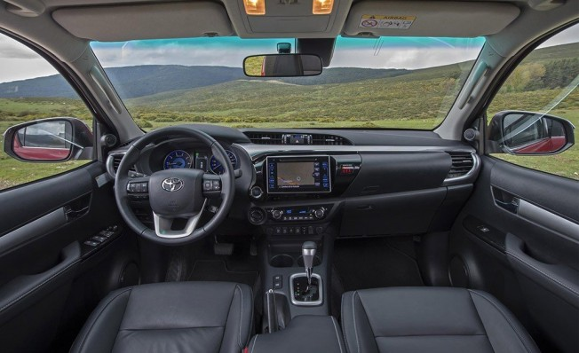 Toyota Hilux Invincible - interior