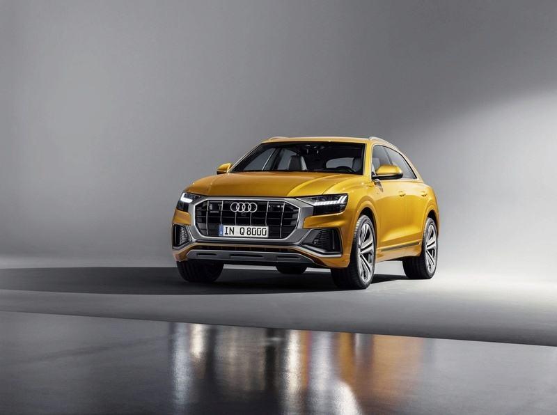 El Audi Q8 nos saluda horas antes de ser presentado oficialmente