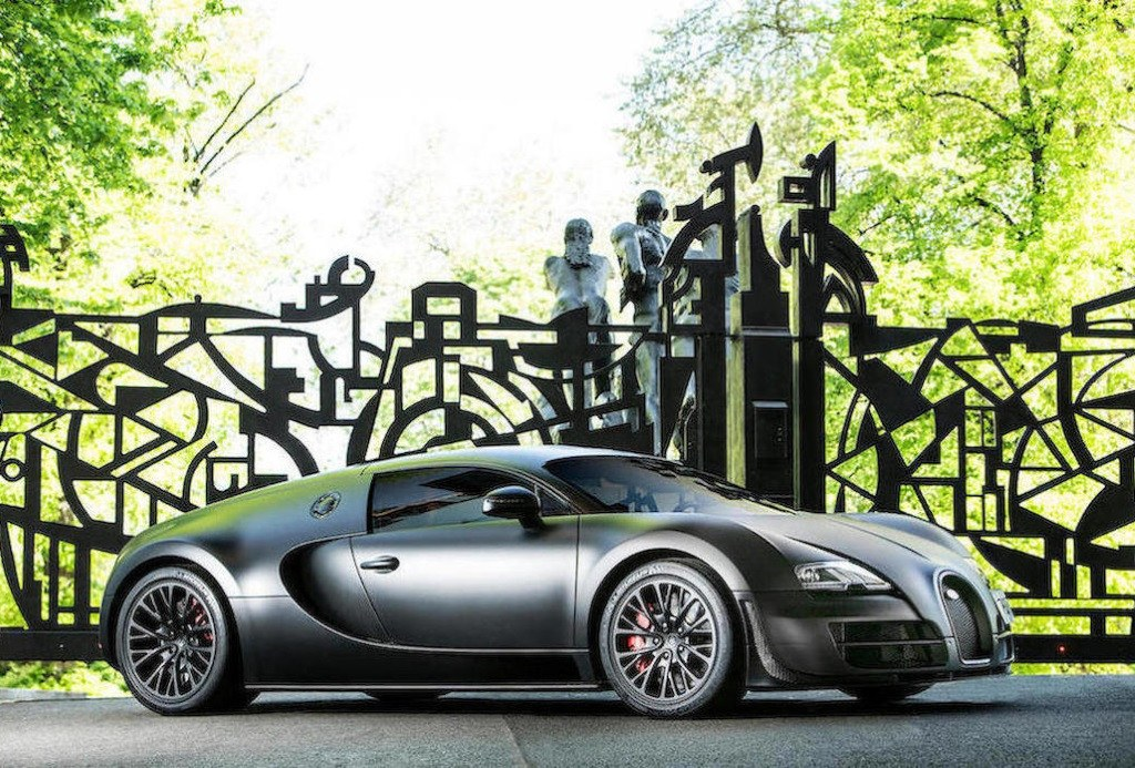 El último Bugatti Veyron Super Sport a la venta prácticamente a estrenar