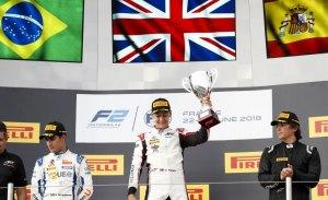 Descalificado Merhi tras subir al podio; triunfo de George Russell