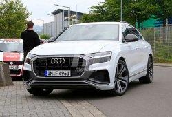 El Audi SQ8 cazado con su carrocería totalmente al desnudo