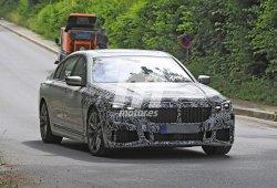 El BMW Serie 7 2019 luce una pérdida de camuflaje en estas nuevas fotos espía