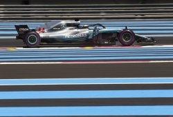 Hamilton marca diferencias en los segundos libres