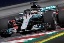 Hamilton, con problemas para hacer funcionar los ultrablandos en el 'nuevo' Mercedes