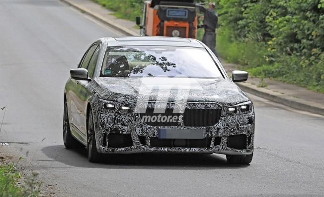 BMW Serie 7 2019 - foto espía frontal