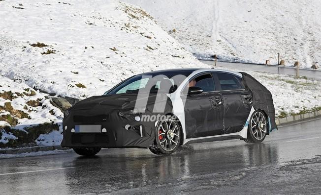 Kia Proceed Shooting Brake GT - foto espía posterior