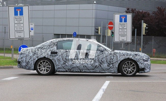 Mercedes Clase S 2020 - foto espía lateral