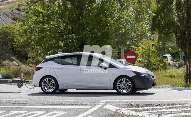 Opel Astra 2019 - foto espía lateral
