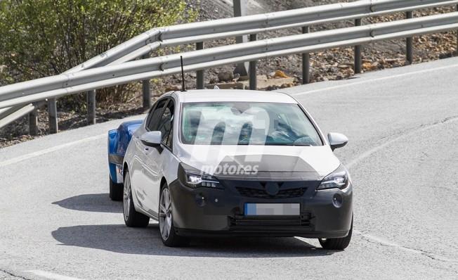 Opel Astra 2019 - foto espía frontal
