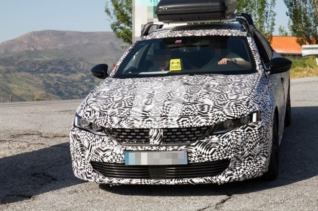 Peugeot 508 PHEV - foto espía frontal