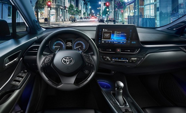Toyota C-HR 2019 - interior