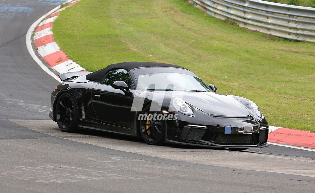 El esperado Porsche 911 Speedster se enfrenta a Nürburgring