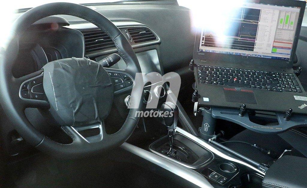 El interior del Renault Kadjar 2019 al descubierto en estas fotos espía