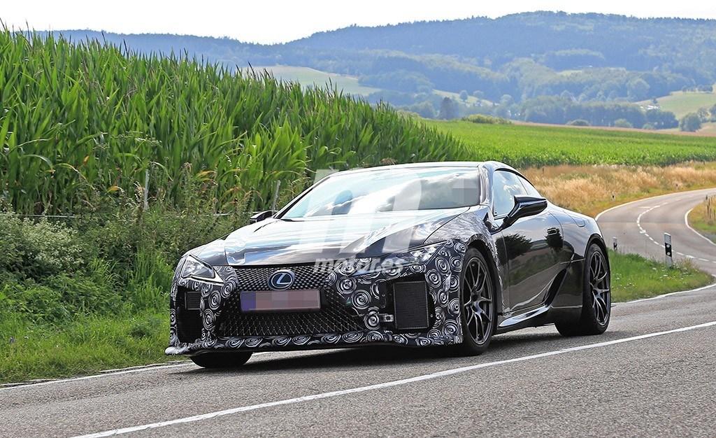 Un primer vistazo al Lexus LC F, ¡la esperada versión ya está en marcha!