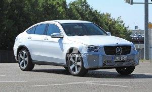 El nuevo Mercedes Clase GLC Coupé 2019 cazado a plena luz del día