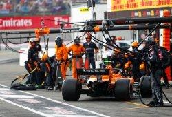 El enfado de Alonso con McLaren por la decisión de montar intermedios