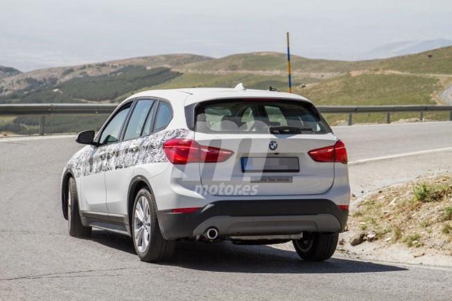 BMW X1 xDrive25e 2019 - foto espía posterior