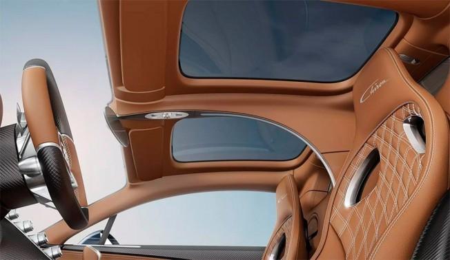 Bugatti Chiron - techo de cristal