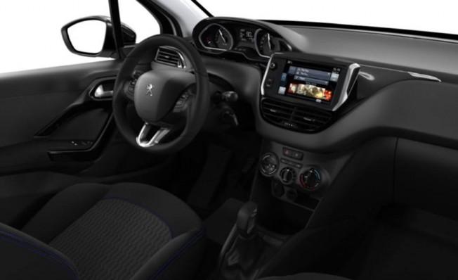 Peugeot 208 Signature Edition - interior