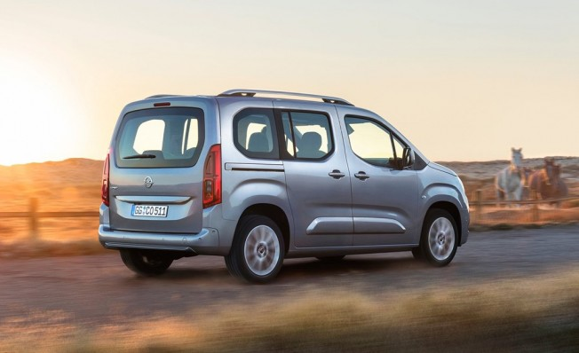 Opel Combo Life - posterior