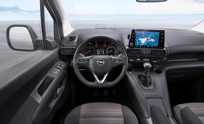 Opel Combo Life - interior