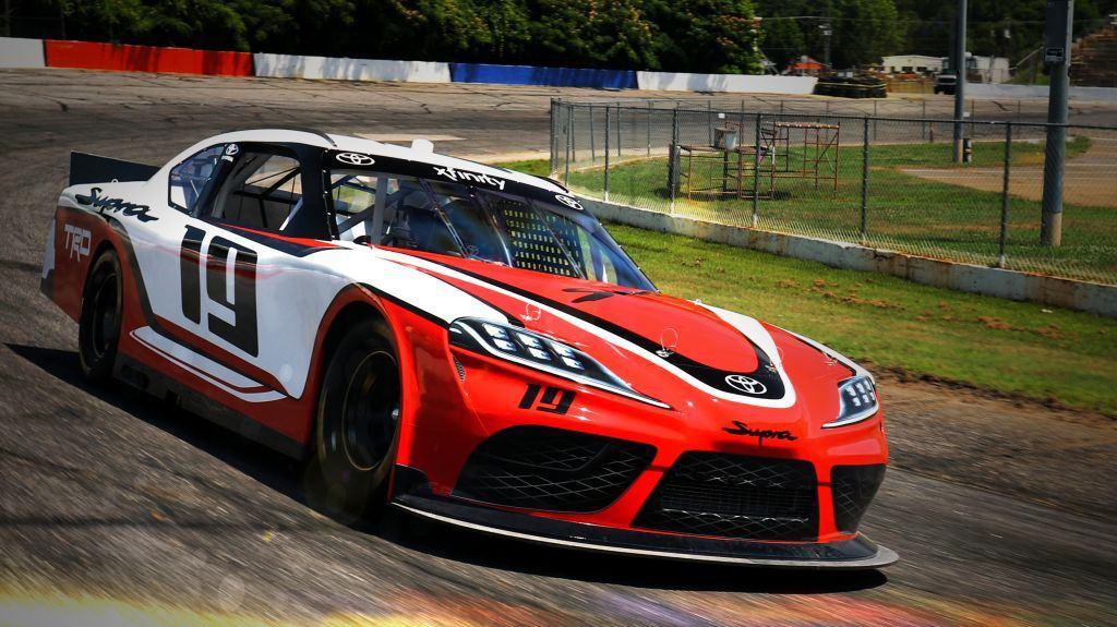 Desvelado el Toyota Supra de la NASCAR Xfinity Series