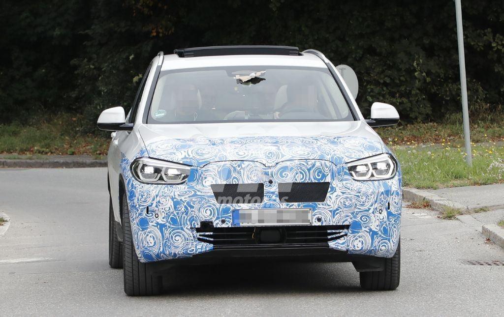 El nuevo BMW iX3 comienza sus pruebas en carreteras públicas