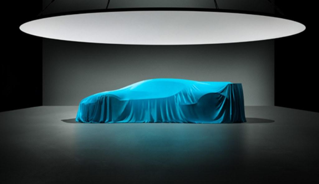El Bugatti Divo nos muestra su radical silueta en su último teaser