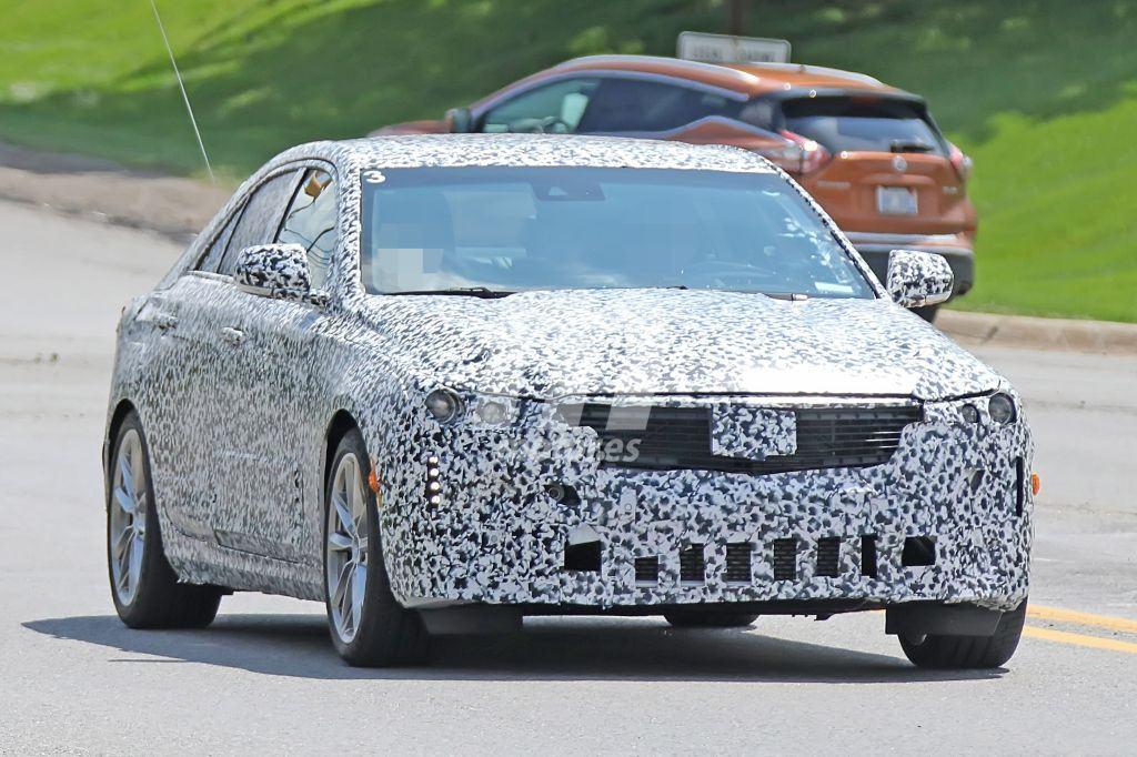 Cadillac CT4 2020: las primeras imágenes del nuevo sedán compacto