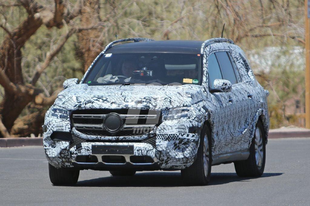 El nuevo Mercedes GLS nos deja ver parte de su interior en unas nuevas fotos espía
