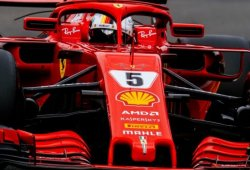 Doblete Ferrari antes de clasificar, con susto final de Vandoorne