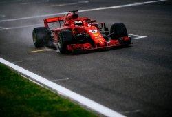 Vettel salva los muebles en un día caótico de Ferrari