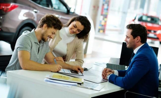Comparar las opciones de financiación al comprar un coche