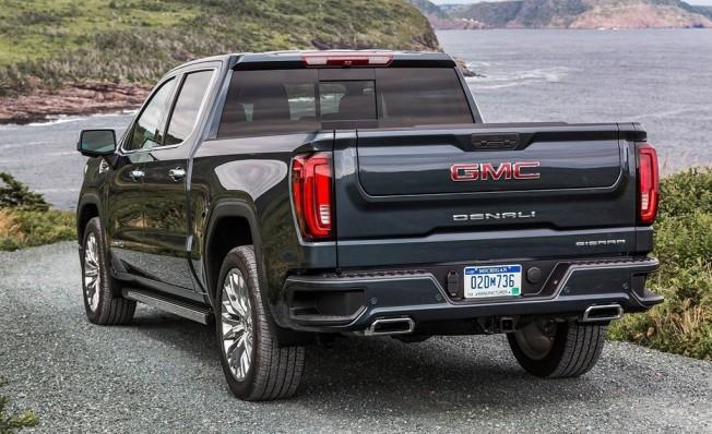 GMC Sierra Denali 2019 - posterior