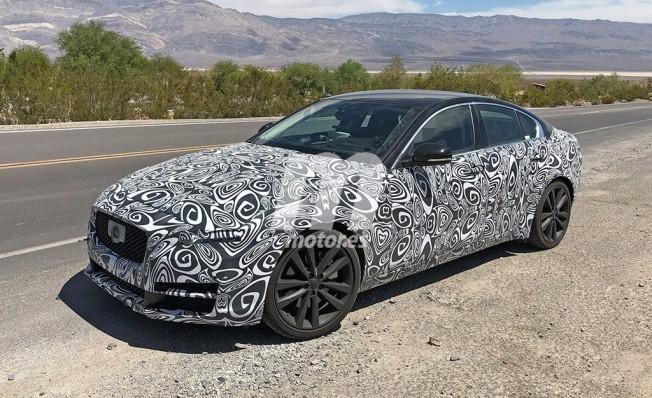 Jaguar XE 2019 - foto espía
