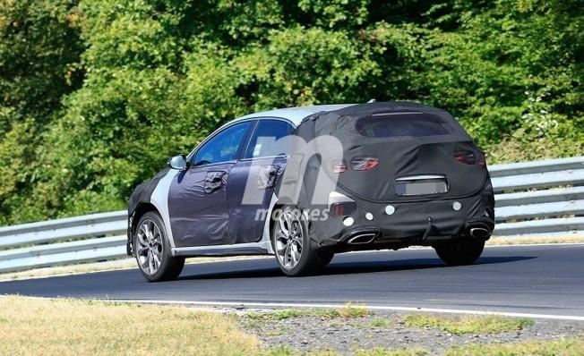 Kia Ceed GT - foto espía posterior