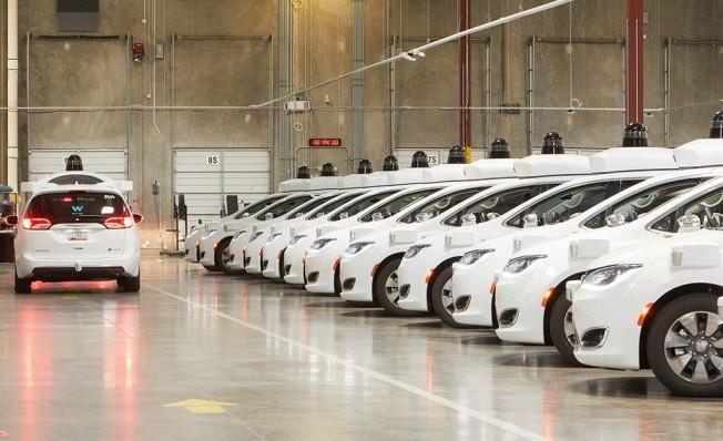 Flota de prototipos de coches autónomos de Waymo